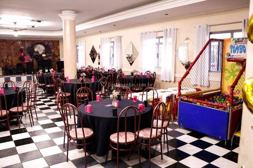 Salão decorado (30 anos)