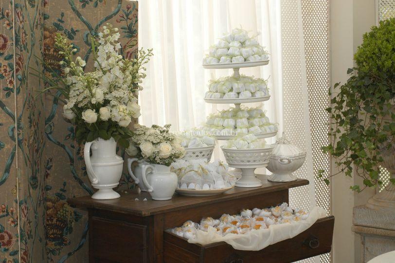 Flores para a mesa dos bem-casados