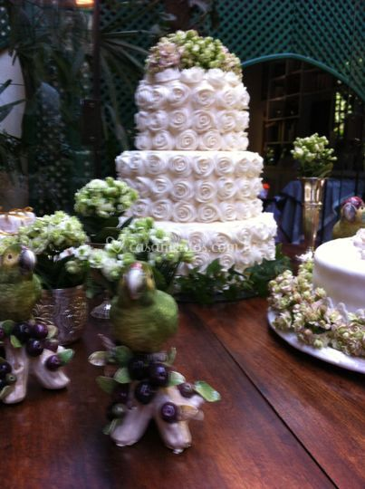 Flores para a mesa do bolo