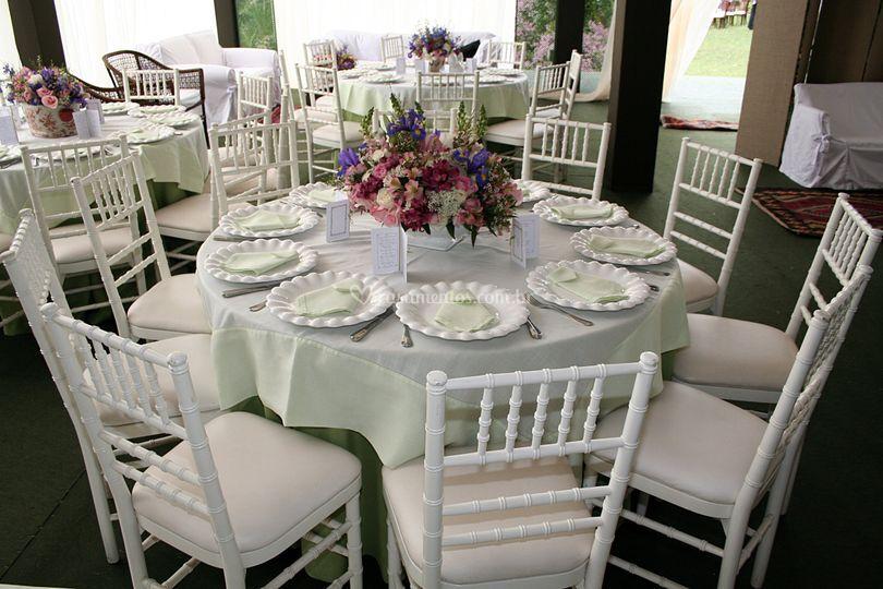 Arranjos florais para as mesas