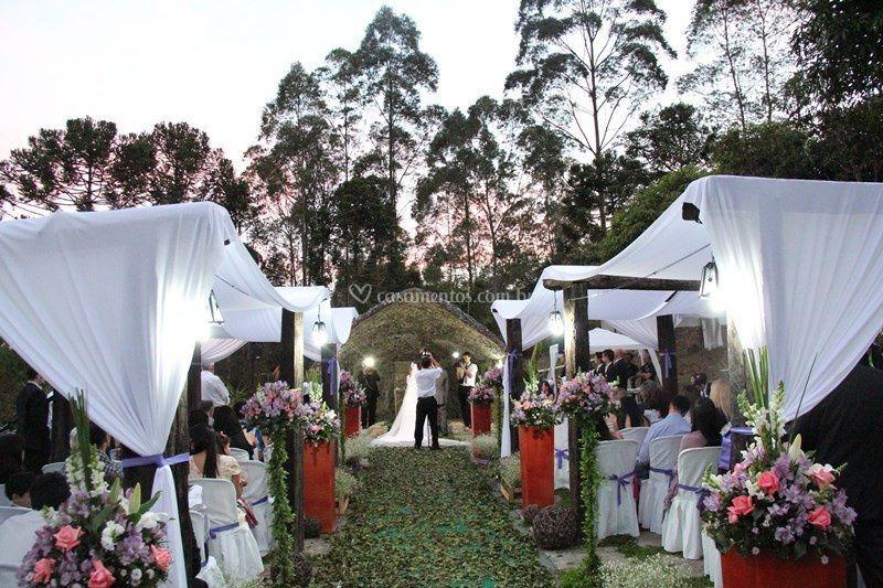Cerimônia na gruta de dia