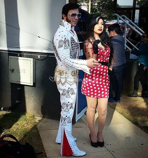 Cover Elviss e Amy Winehouse