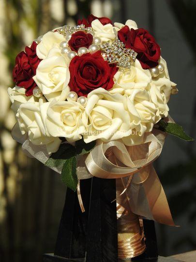 Rosas off white e marsala