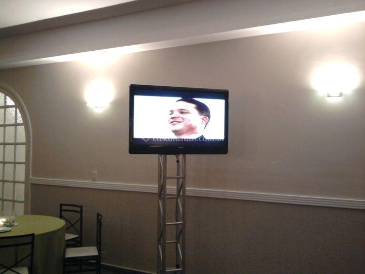 Tv LCD com estrutura