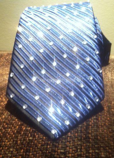 Gravata Azul com Brilhantes