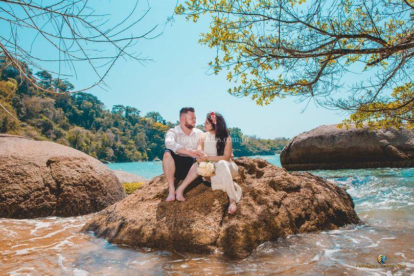 Casal na pedra