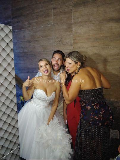 Os noivos se divertem