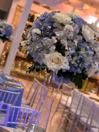 Flores azul com branco