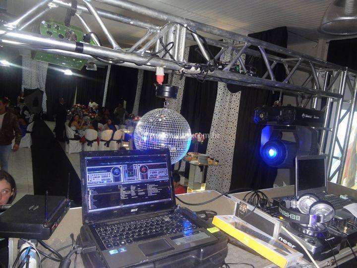 DJ Reverson
