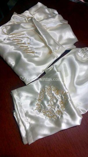 Robe em cetim personalizado