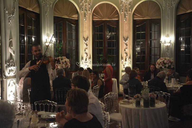 Jantar Romântico com Violino