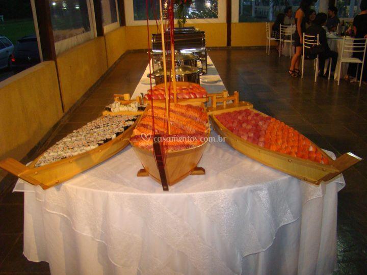 Cardápio com prato oriental