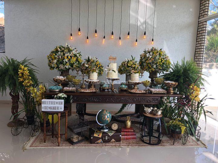 Modelo de mesa do bolo