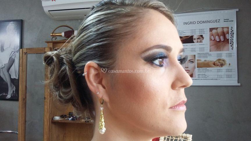 Maquiagem Elusa Scheibler