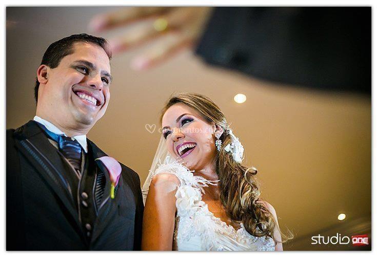Felicidade = Luciane e Leandro