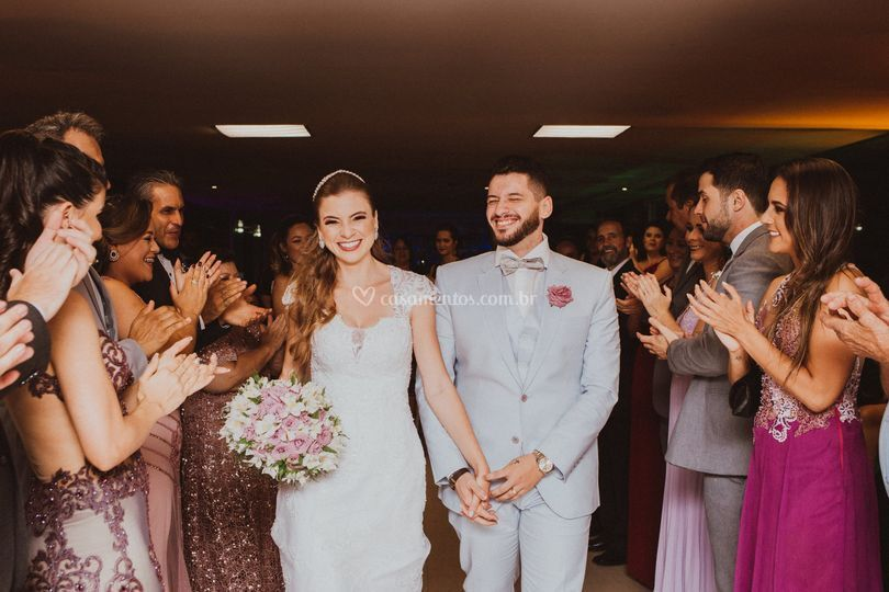 Entrada dos noivos na recepção