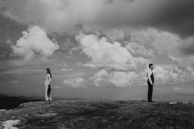 Ensaio de casal na montanha