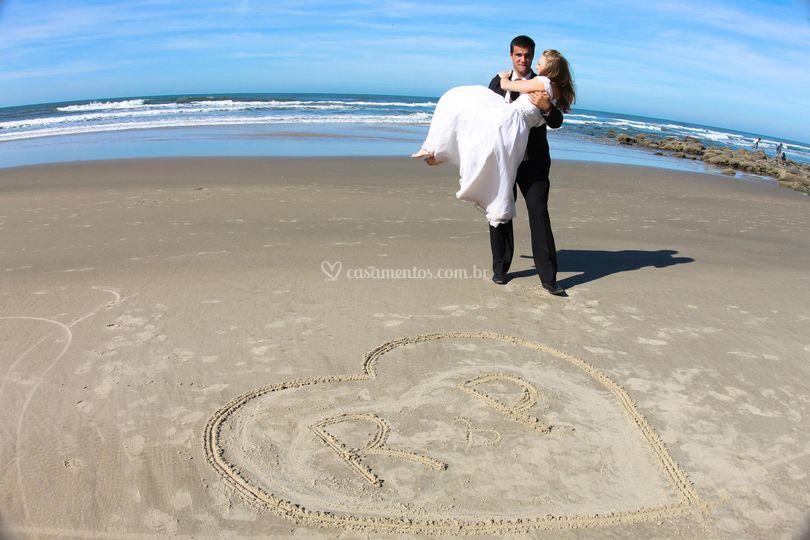 Na areia escrevi teu nome