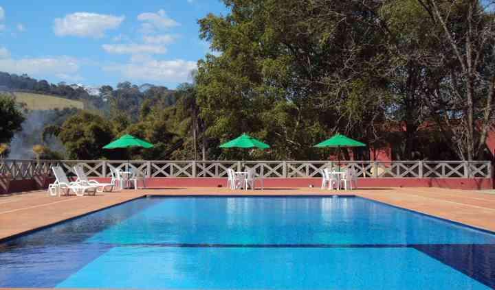 Espaço 2 - piscina de 18mx8m
