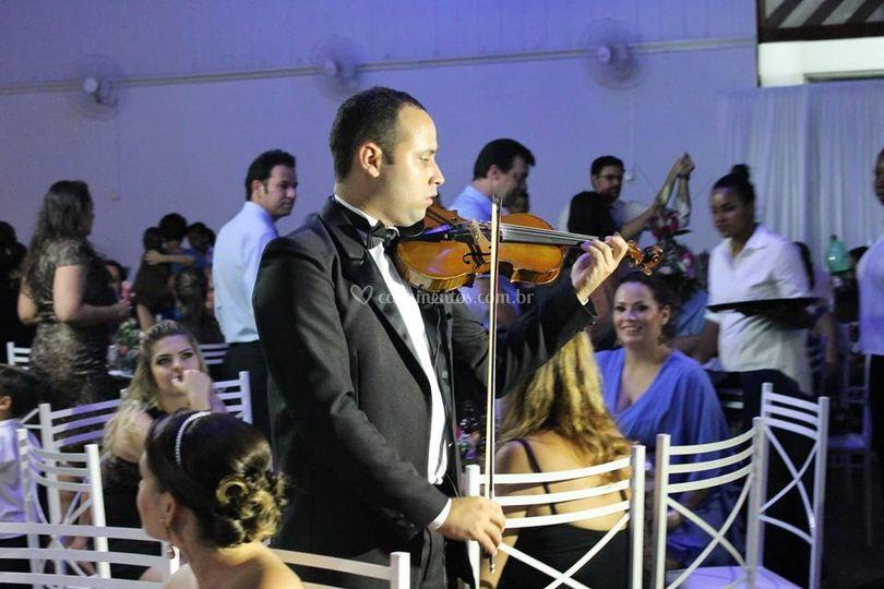 Violino no Jantar