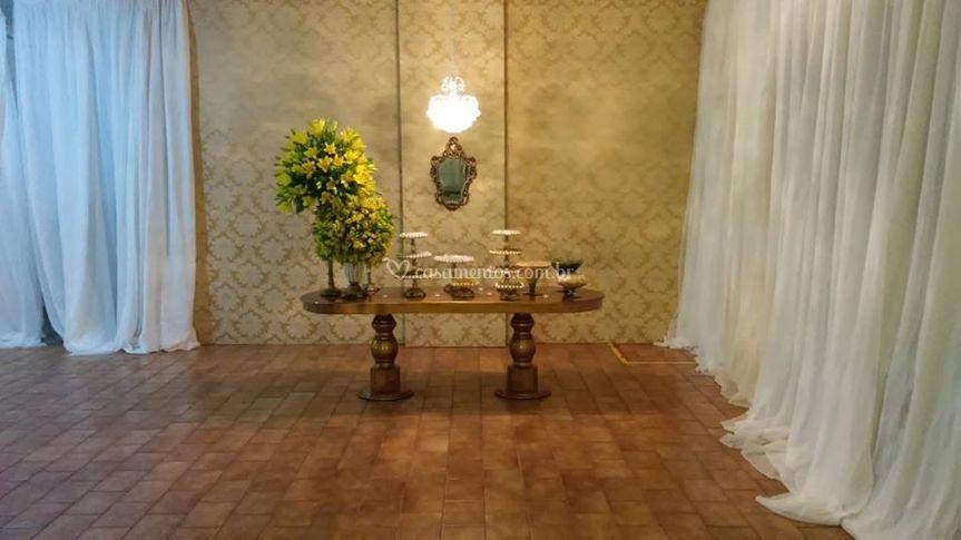Decorative Flores & Decorações