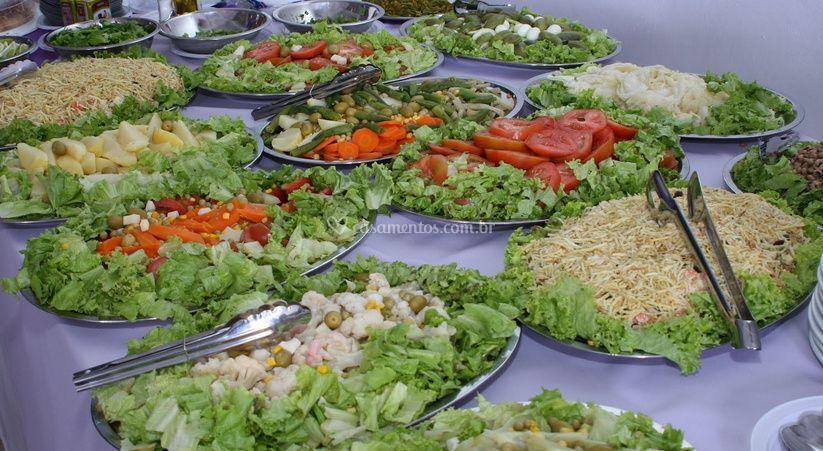 Variedade de saladas