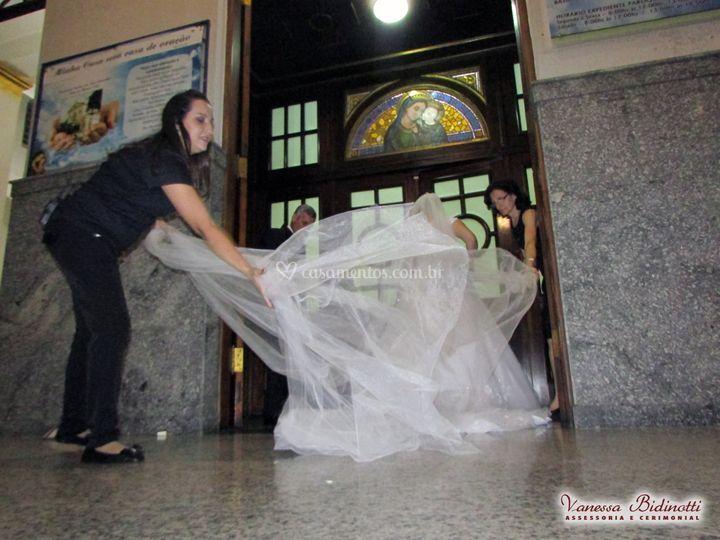 Arrumando a noiva para entrada