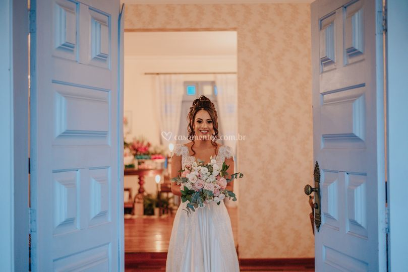 E lá vem a noiva