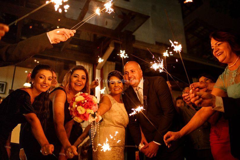 Sparkles saida dos noivos