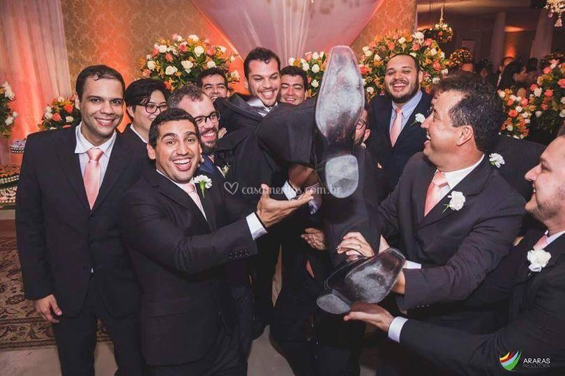O noivo e seus padrinhos
