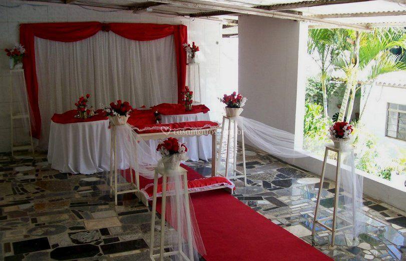 Decoração com altar e tapete