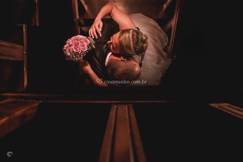 Casal na escada