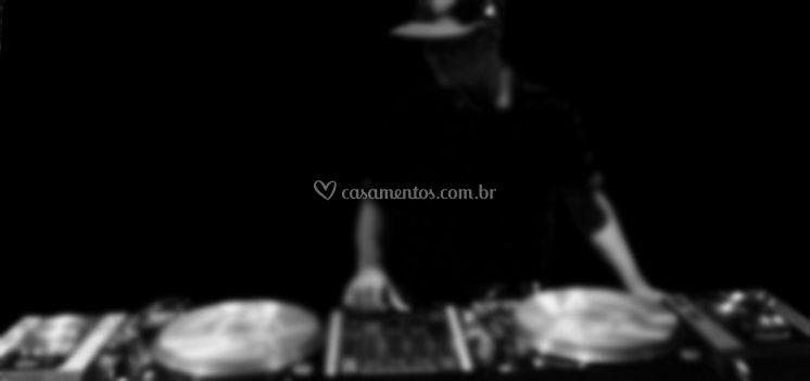Rick Borggy | DJ de Casamento