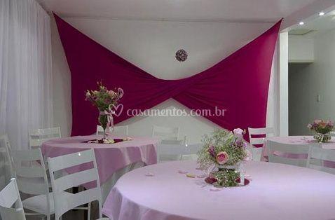Decoração em branco e rosa