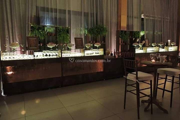Luxo's Bartenders