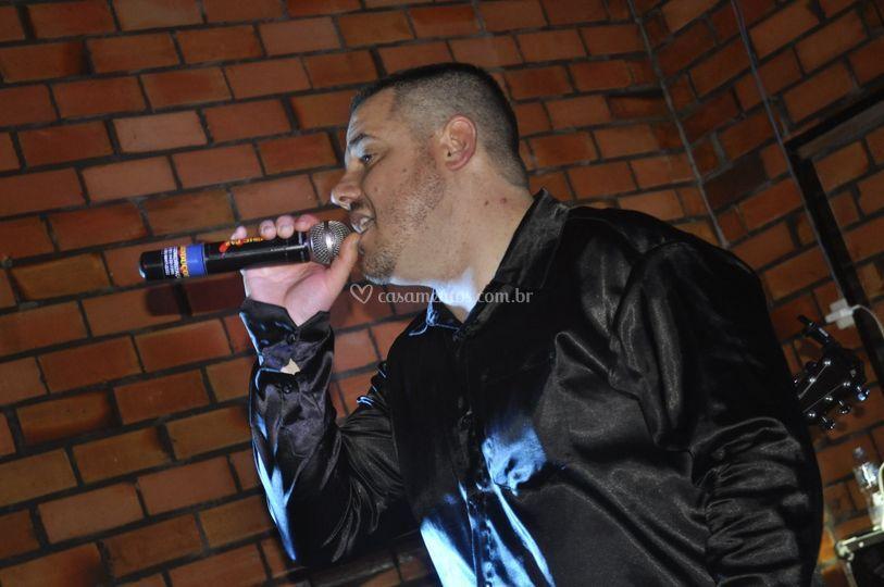 Alex Cruz vocalista