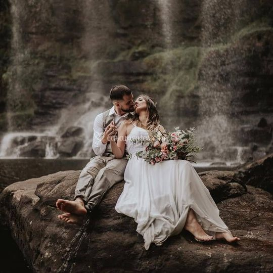 Casamento a dois na cachoeira