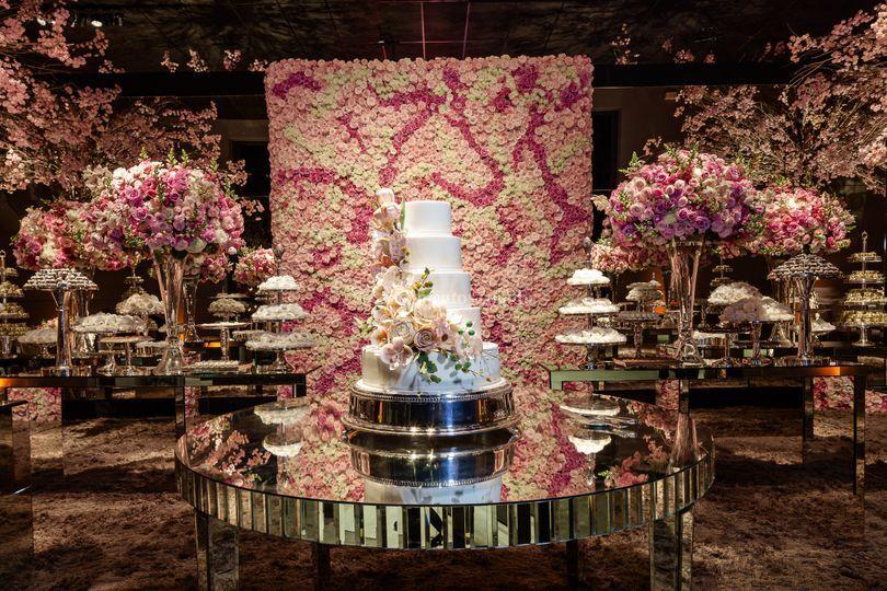 Cascata de flores em açúcar