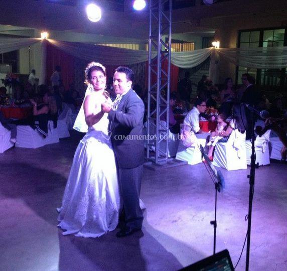 A dança da noiva e do noivo