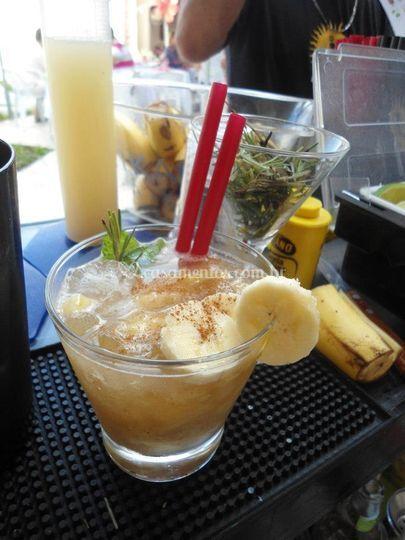 Caipi-banana com canela