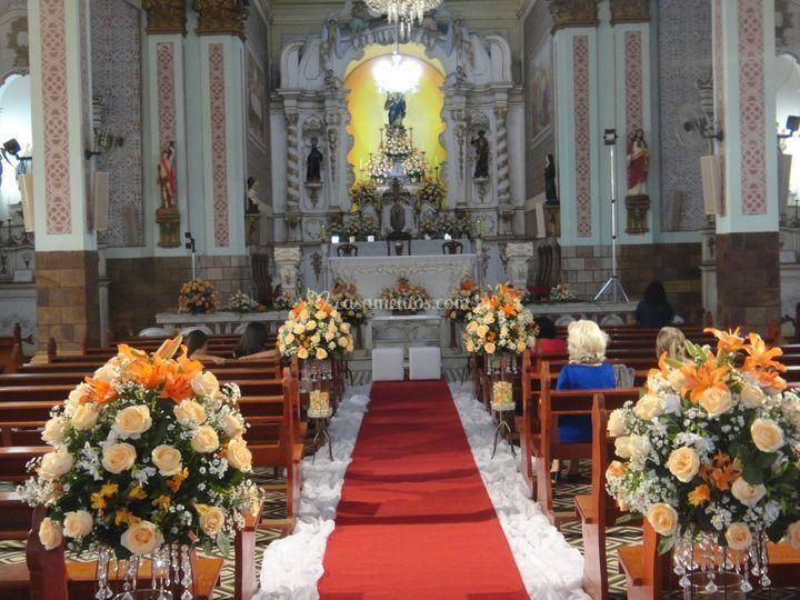 Corredor de igreja para cerimônia