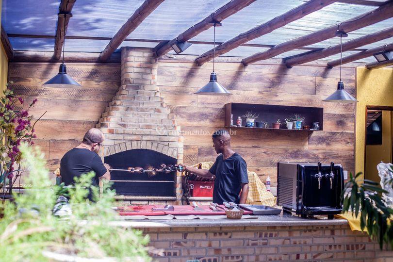 Área gourmet com churrasqueira