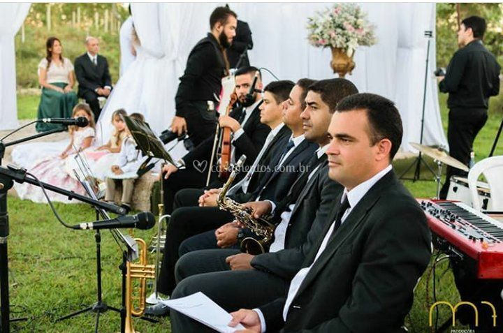 Formação com 6 músicos