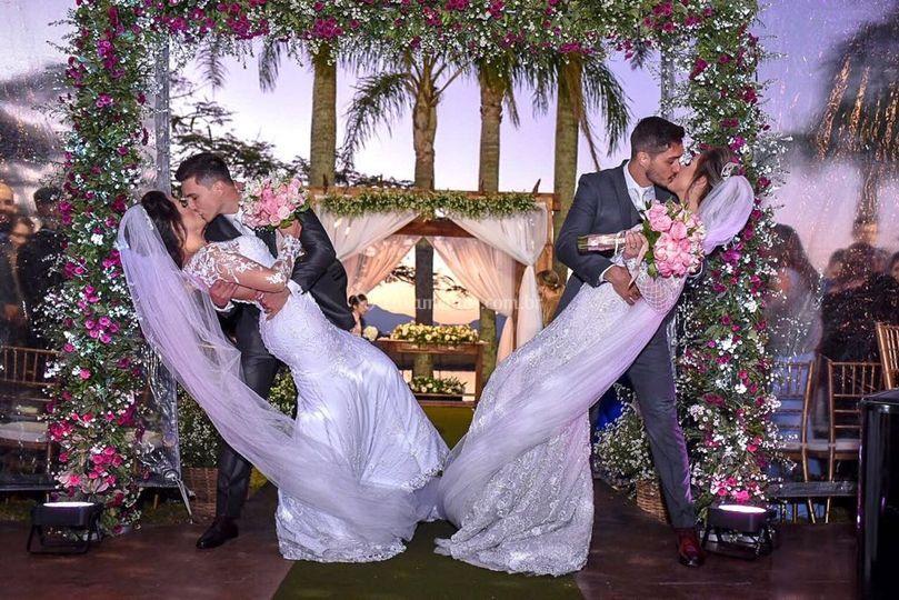 Casamento ao ar livre de Irmãs