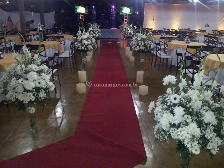 Salão decorado para cerimônia