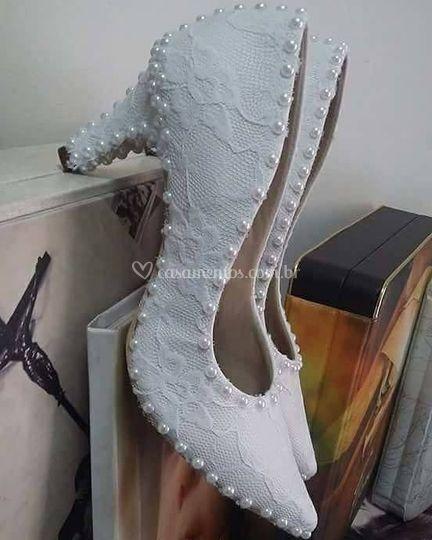 Sapato em renda com perolas