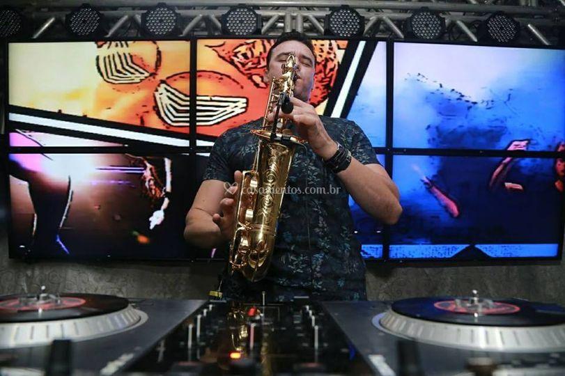 Marquinhos Dutra - Sax e DJ Sound