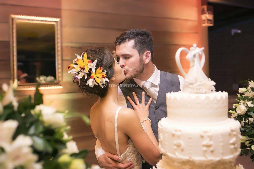 Foto casamento beijo noivos