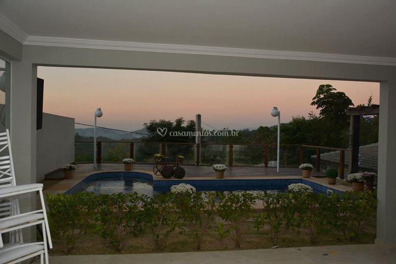 Salão térreo vista piscina