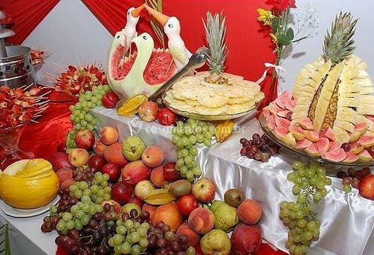 Mesa de frutas provocante